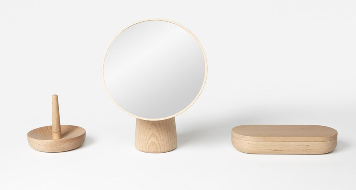 Cameo-mirror-smart-wooden-designs