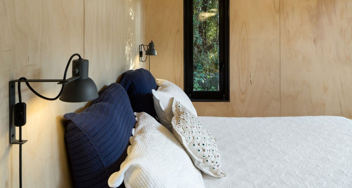 Chalet-M-Silvia-Acar-cabin-bed