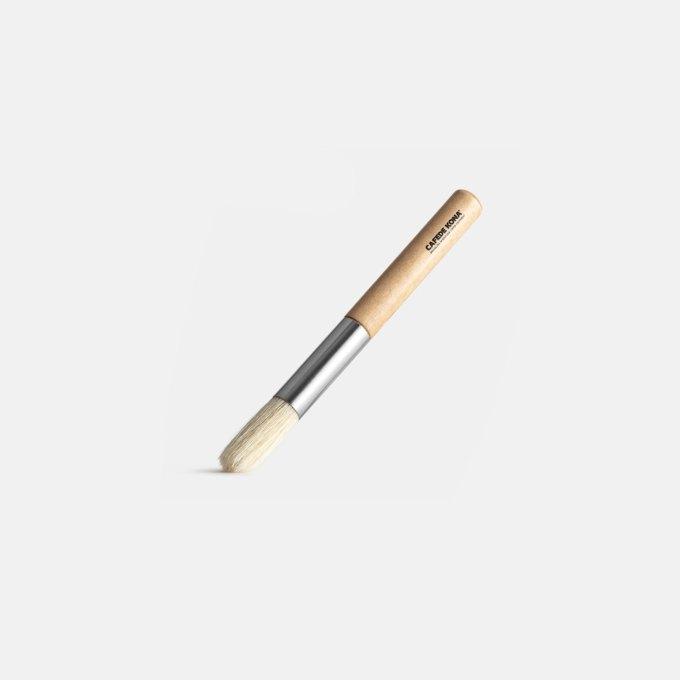 mininmal-wood-brush