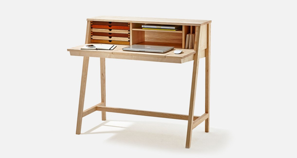 SIXtematic-BELLE-sixayfurniture-Laszlo-Szikszai-wooden-desk-1