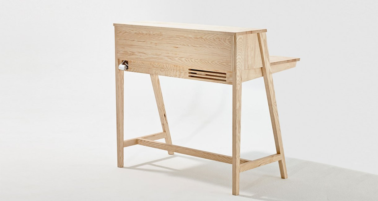 SIXtematic-BELLE-sixayfurniture-Laszlo-Szikszai-wooden-desk-2