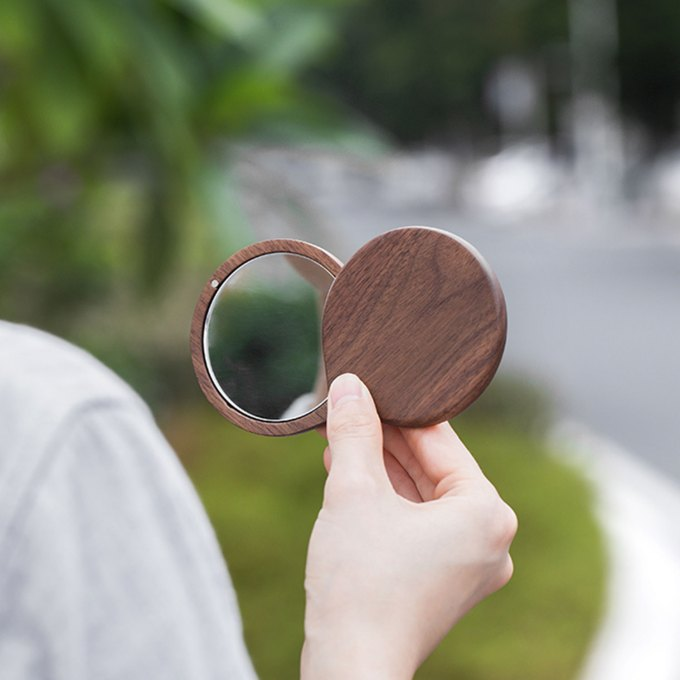 Wood-Pocket-Size-Mirror-walnut-small-look