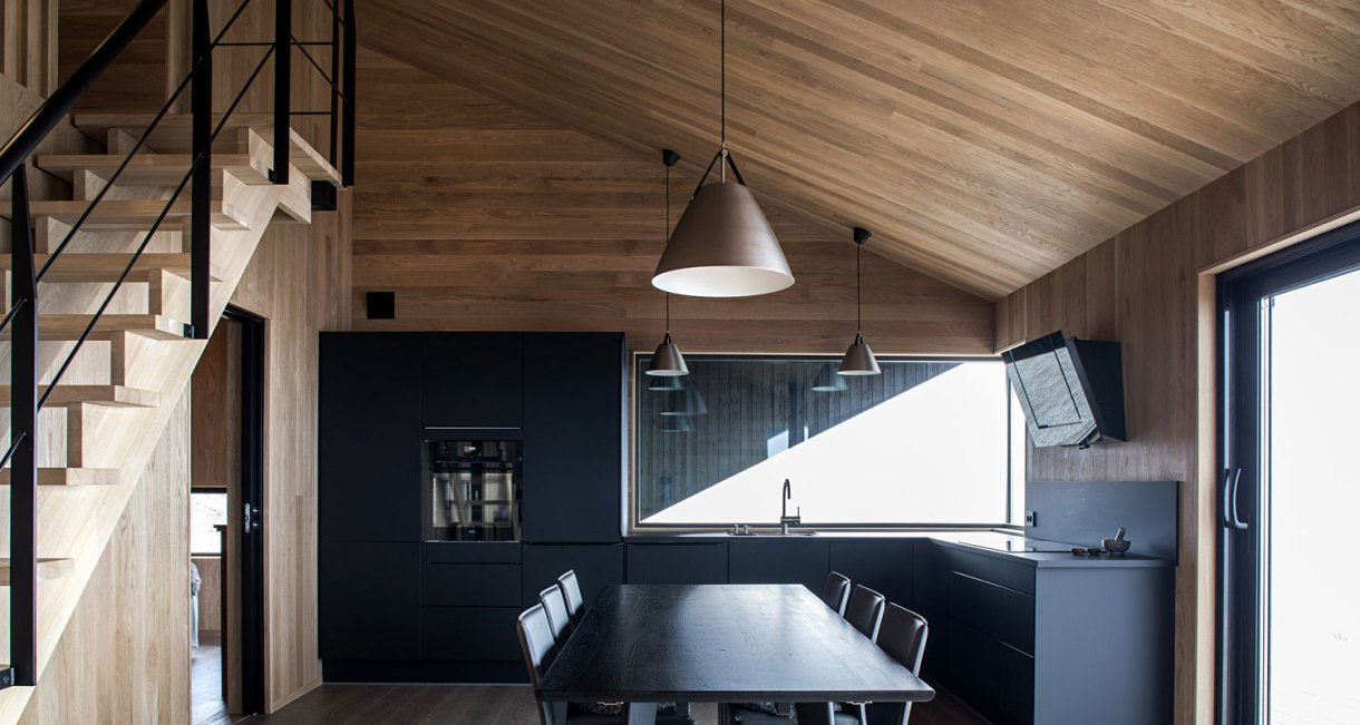 hooded-cabin-Arkitektærelset-Norwegian-architectural-studio-4