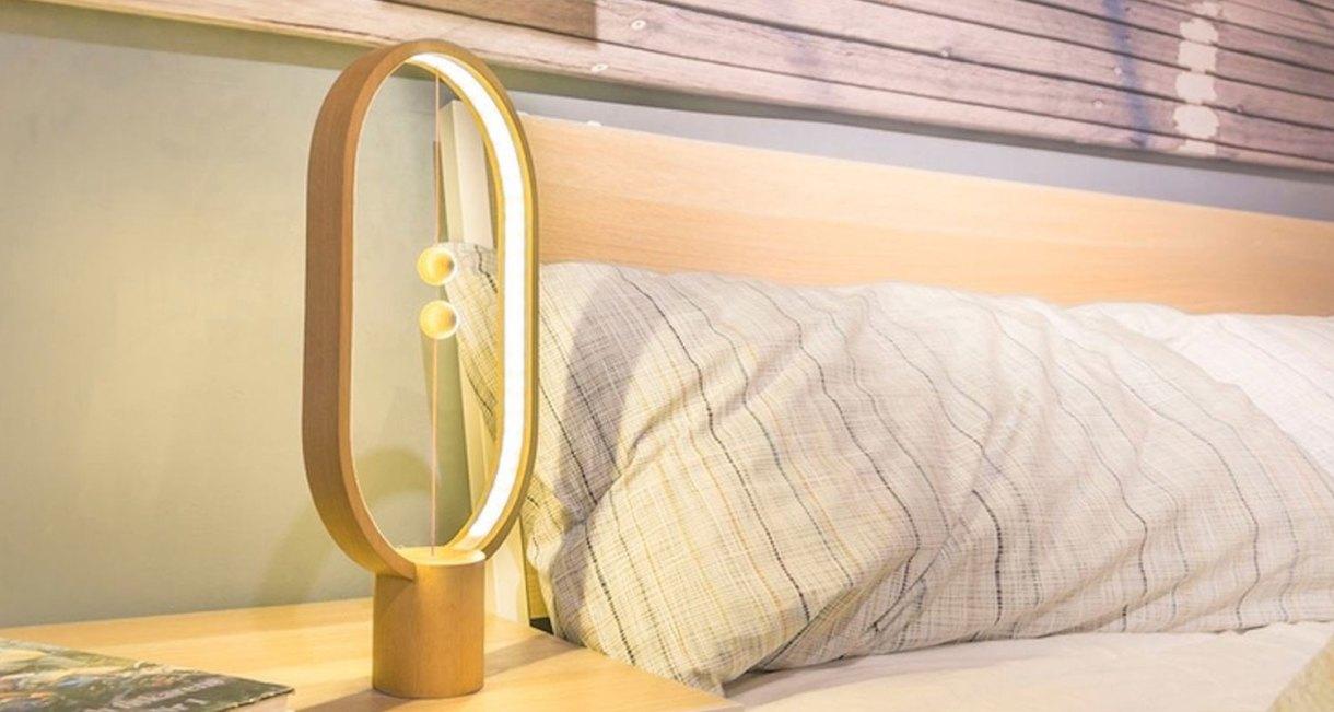 magnetic-wood-heng-balance-lamp-4