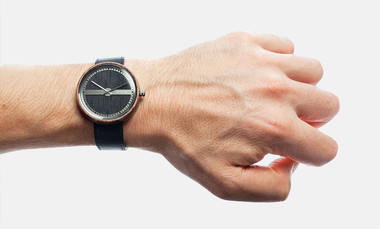 Danish-Wooden-Watch-NAUTIC-65°-NORTH-3