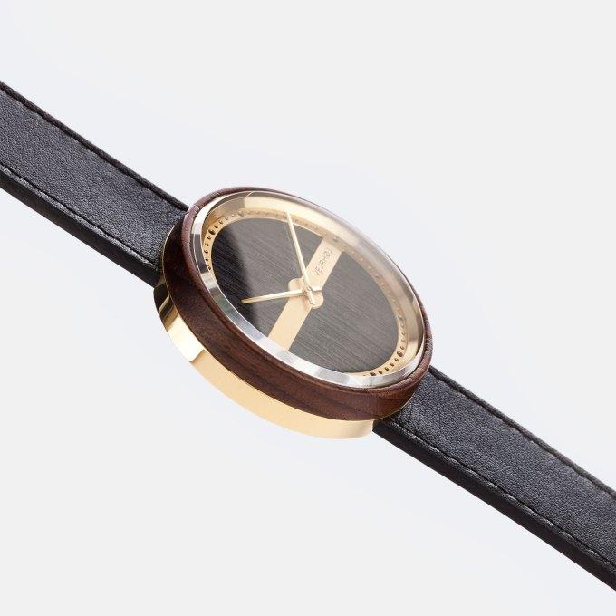 wooden-watch-walnut-gold-NAUTIC-68-NORTH-6