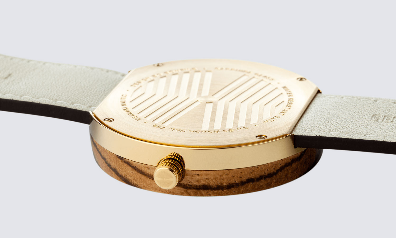 wooden-watch-zebrawood-gold-stainless-steel-NAUTIC-62-NORTH-3