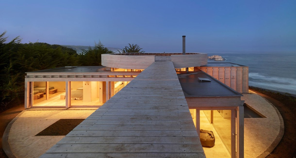 Shore-wooden-structure-House-in-Matanzas-Cristián-Izquierdo-Lehmann-1
