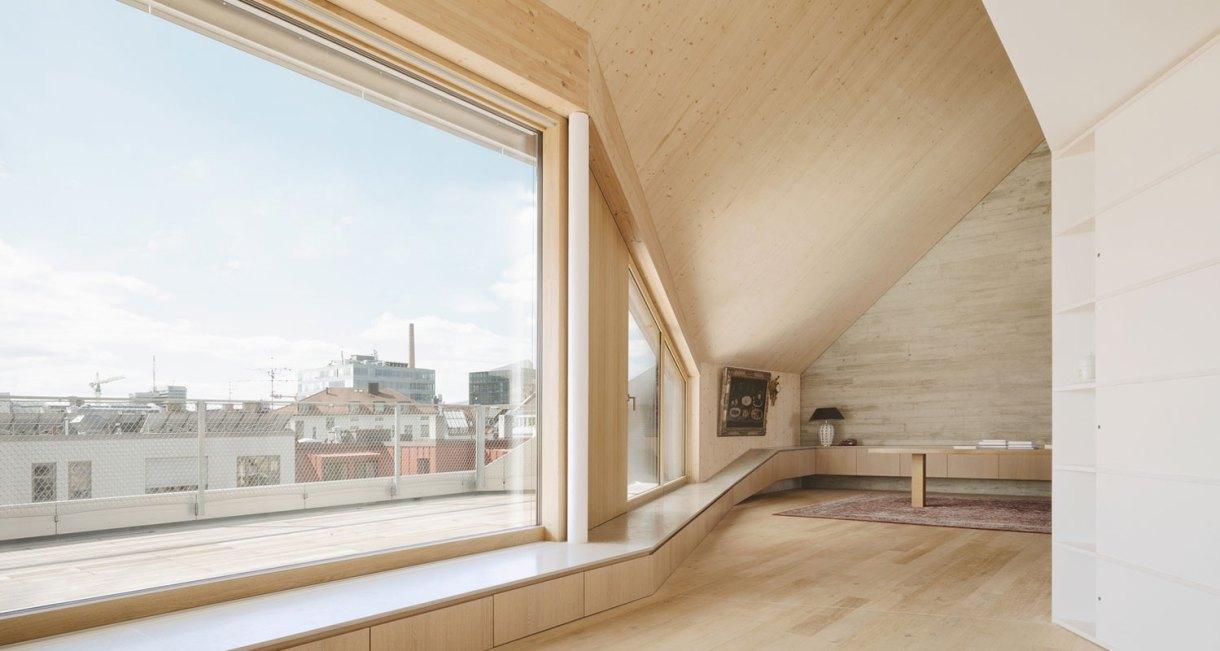 Roof-Extension-Maxvorstadt-Pool-Leber-Architekten-wooden-interior-4