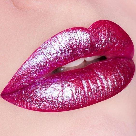 labios metalizados fucsia