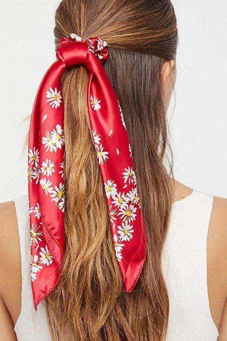 peinados con pañuelos de seda