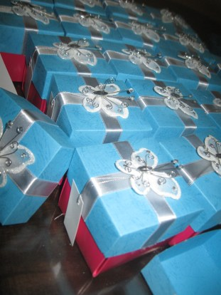 Cajas con mariposas