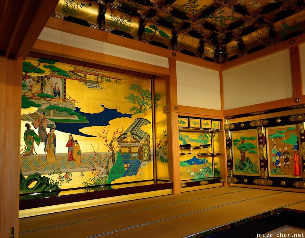 Golden walls inside the Honmaru Goten Palace