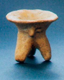 Жртвеник со човечки лик; Тумба, Породин