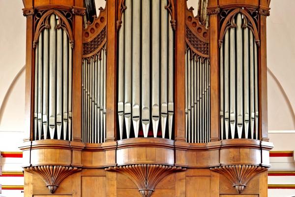 front alleen orgel.tif