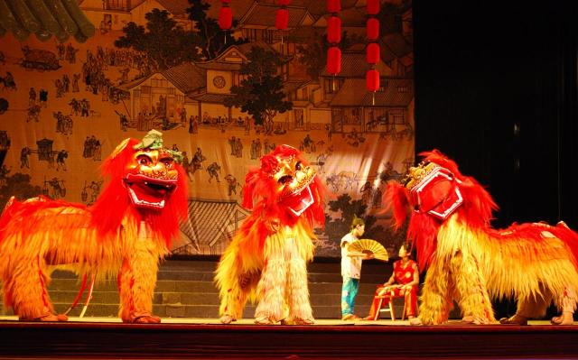 Коллектив «Чэнцзе Дунлэ» танца львов г. Гуанчжоу