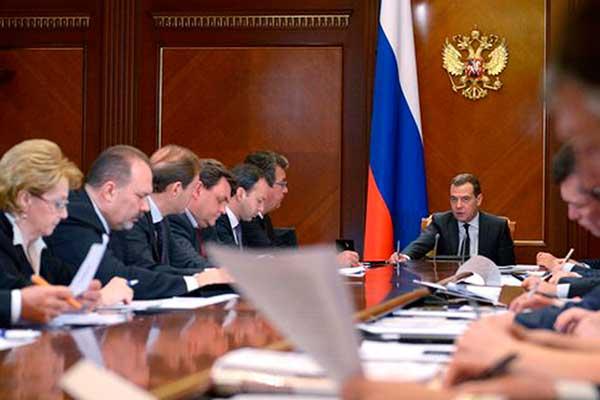 Правительство намерено перераспределить в бюджете 2016 года 1 трлн рублей расходов