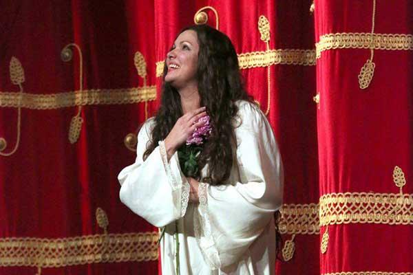 Мода на Виолетту: Анна Нетребко дебютировала на сцене Ла Скала в «Травиате»