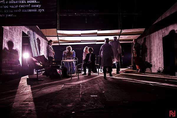 В «Гоголь-центре» состоялась премьера нового спектакля Кирилла Серебренникова «Маленькие трагедии»