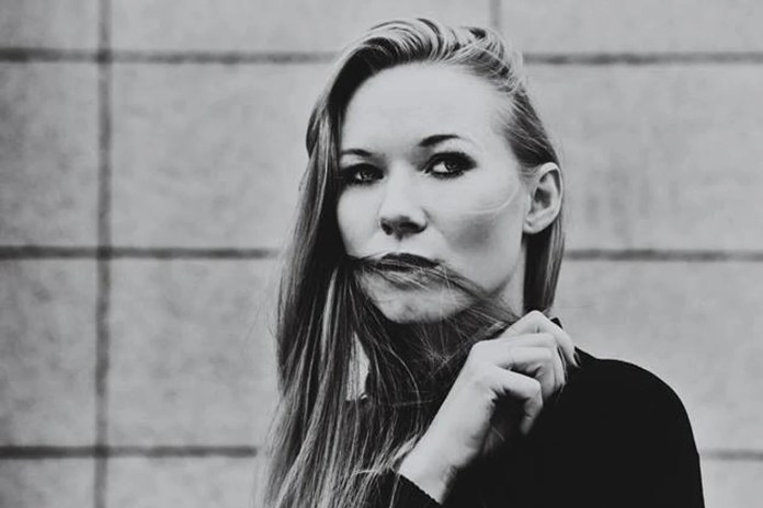 Katarzyna Dąbrowska śpiewa piękne tango z Warsaw Tango Group