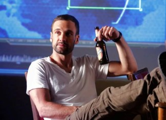 Nick Blood Agenci T.A.R.C.Z.Y.