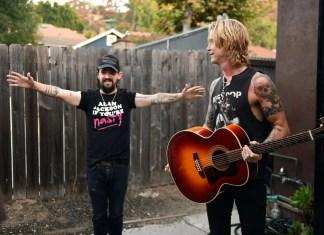 "Basista Guns N' Roses oraz autor bestsellerowych książek Duff McKagan prezentuje singiel ""Tenderness"""