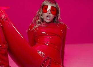 Miley Cyrus w seksownym czerwonym lateksie. Nowy klip SZOKUJE!