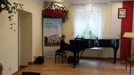 Koncert końcoworoczny uczniów NSM I i II stopnia w Leżajsku_11