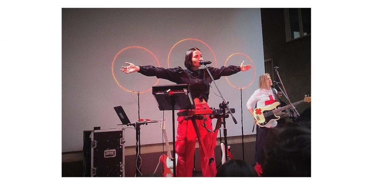 """[RELACJA] """"Jestem Mery Spolsky i bardzo się cieszę, że do Was wróciliśmy"""" – otwieramy koncerty z Mery w Poznaniu"""
