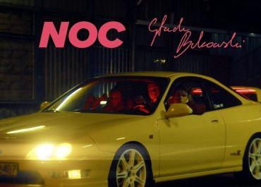 Stach Bukowski nagrał teledysk do utworu z Kwiatem Jabłoni. W klipie wystąpiły młode gwiazdy FONOBO Label