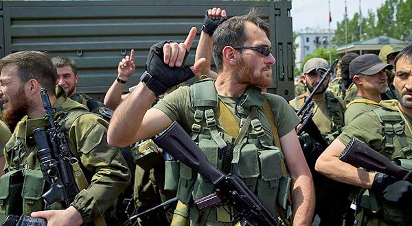 2 Donetsk Donbass Ukraine Kadyrovtsy gunmen terrorist Кто терроризирует Донецк?