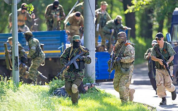 3 Donetsk Donbass Ukraine Kadyrovtsy gunmen terrorist Кто терроризирует Донецк?