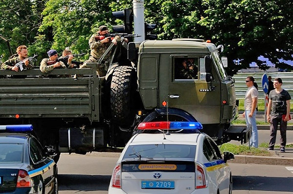 8 Donetsk Donbass Ukraine Kadyrovtsy gunmen terrorist Кто терроризирует Донецк?
