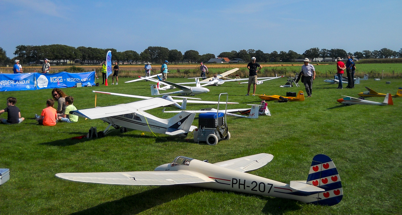 Gliders lined up for launch