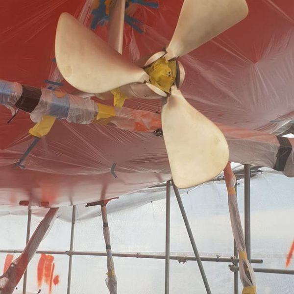 Amorsil anti-fouling prop paint