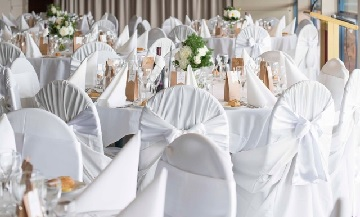 Relax and Dance with a Modern Wedding Reception Theme