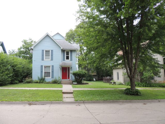 Photo of house at 606 6th Avenue NW