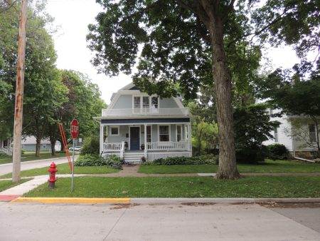 Photo of house at 616 7th Avenue NW