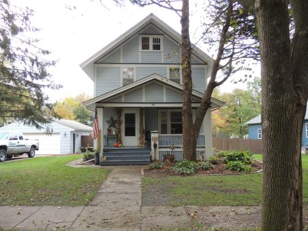 Photo of house at 708 5th Avenue NW