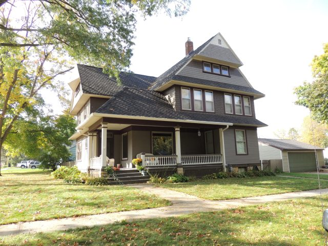 Photo of house at corner of 7th Street SW and 8th Avenue