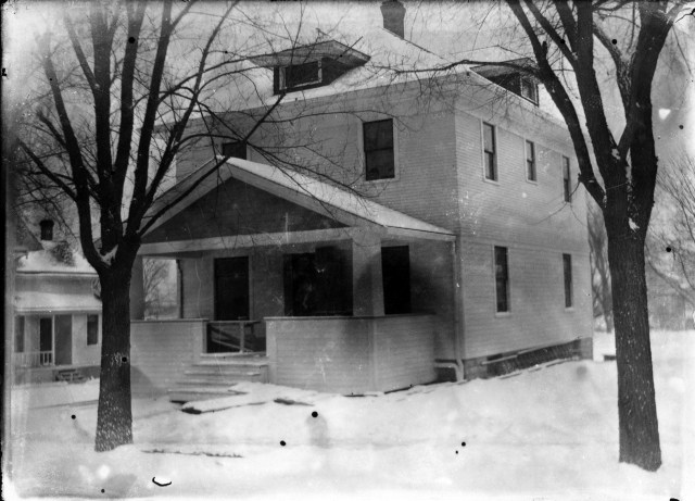 photo of Mount Vernon House-1915