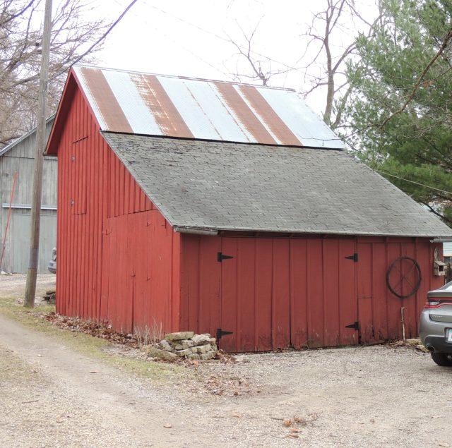 Photo of a barn