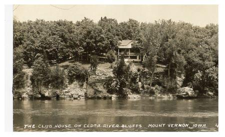 photo of Club House on Cedar River Bluffs