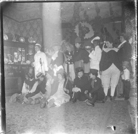 photo of Unidentified Students in Cornell Theatre Group