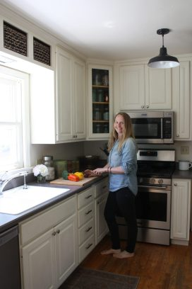 Photo of kitchen at 606 Eighth Avenue NW