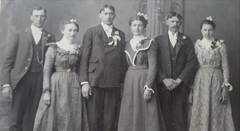 Photo of Mamie & Frank Pitlik with friends
