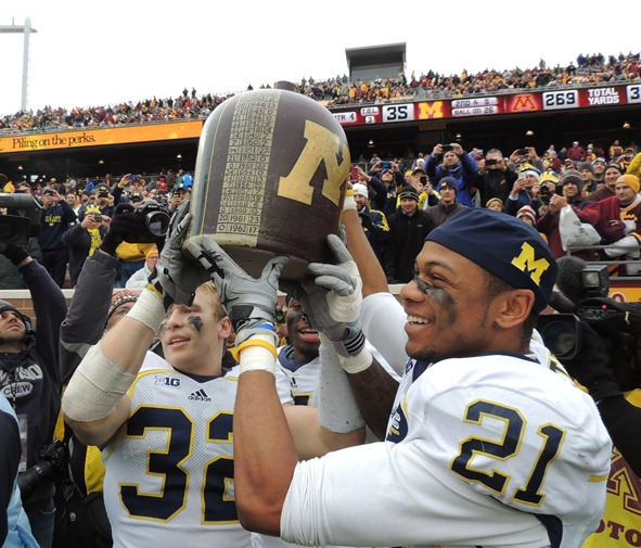 Jordan Kovacs, Roy Roundtree take Little Brown Jug - Minnesota 2012