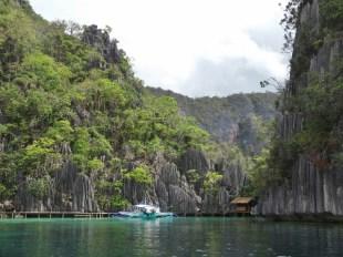 Entrance to Barraccuda Lake