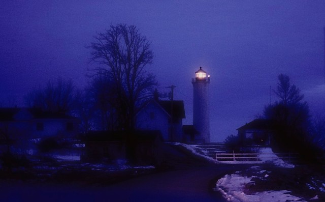 84.110     3-13-96    Cape Vincent, NY, Lighthouse with light, in car headlights