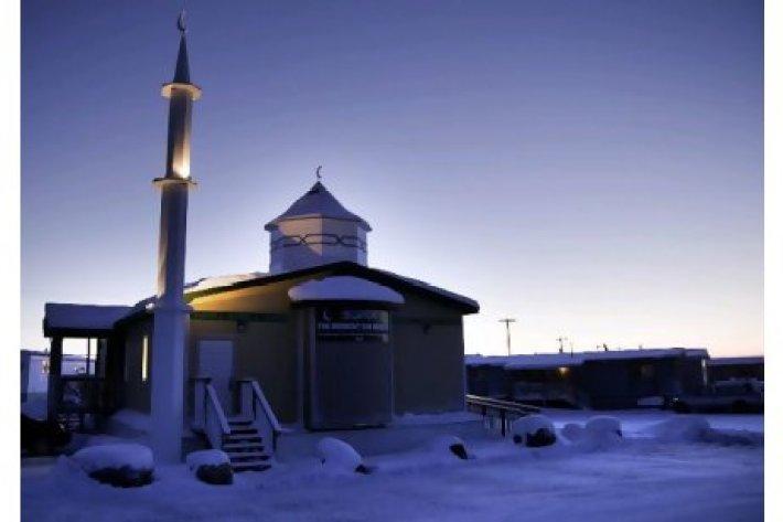 midnight-mosque-1